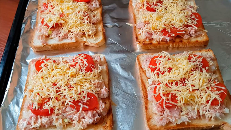 Вкусные тосты на завтрак с тунцом - рецепт пошаговый с фото